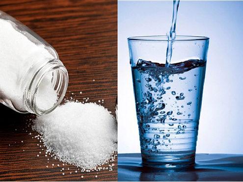 dùng nước muối để khủ mùi sơn